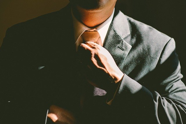 10 abilitați de baza pentru a avea succes in investitii